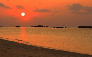 ニシ浜からの夕日